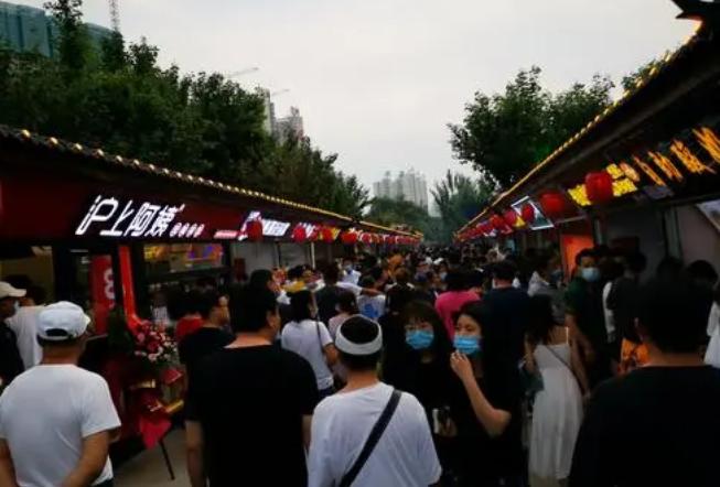 秦皇小巷摊位